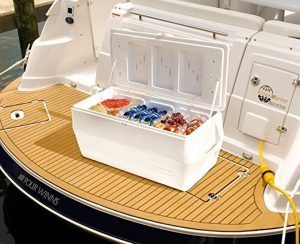 Rubbermaid On The Boat Cooler